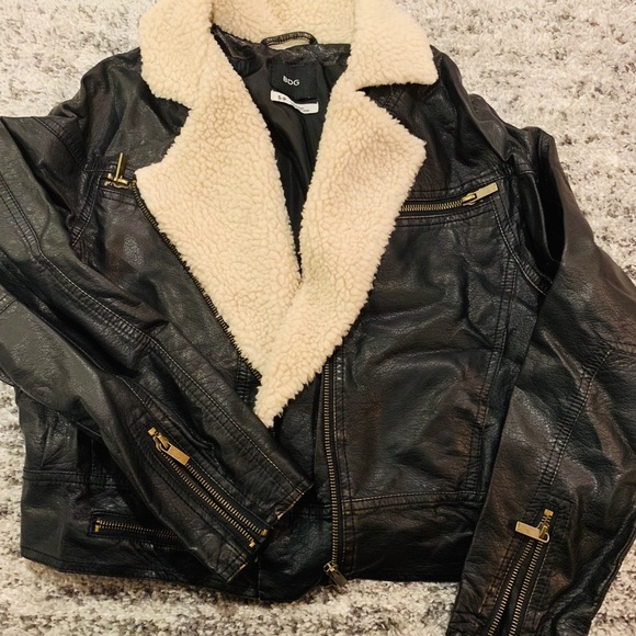 Urban Outfitters Jackets & Blazers - Urban outfitters motto cropped jacket